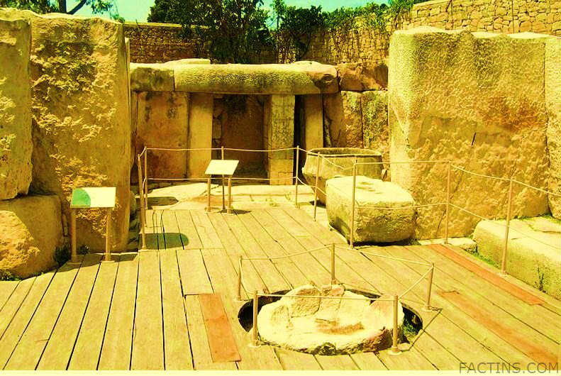 Tarxien Temples - Inside View