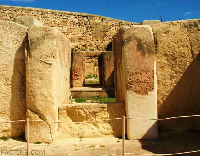 Tarxien Temples - Main-Entrance