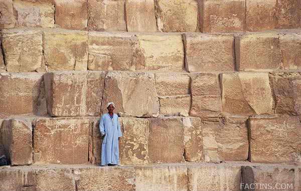 The blocks - the Great Pyramid