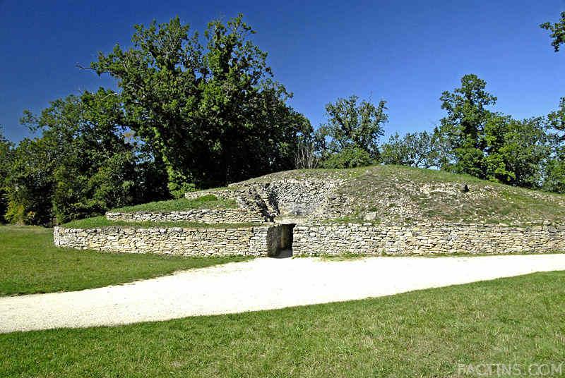 Tumulus of Bougon, France
