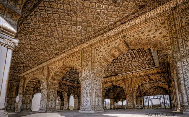 Inside View of -Diwan-e-Khas at the Red-Fort