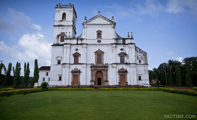 Se Cathedral Goa - Front View
