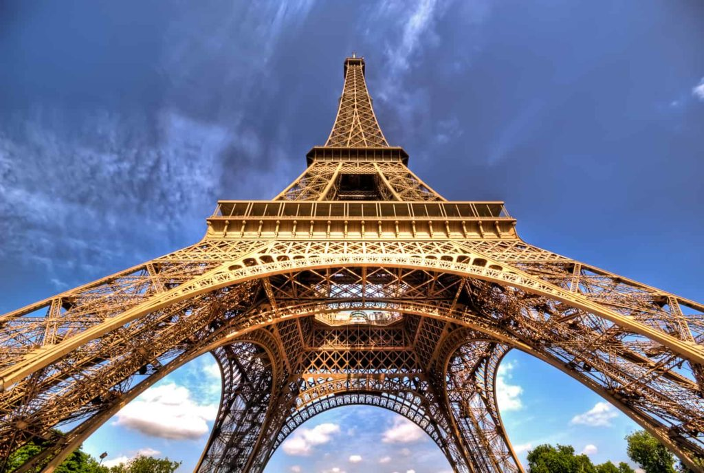 Bottom to Top - eiffel tower facts - Factins