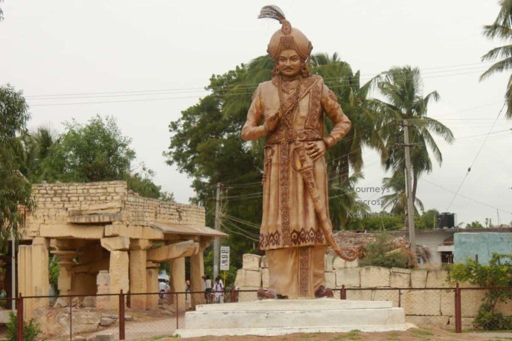 Krishnadevaraya Statue Karnataka - Factins