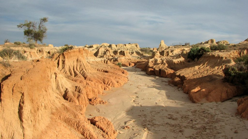 The Willandra Lakes Region