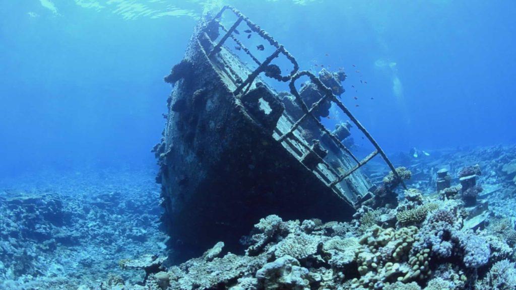ship_wreck_underbermuda_triangle - Bermuda Triangle facts - Factins