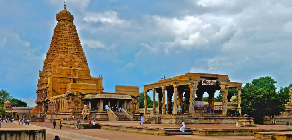 Brihadeeswarar Temple - Best Tourist Places in tamilnadu - Factins