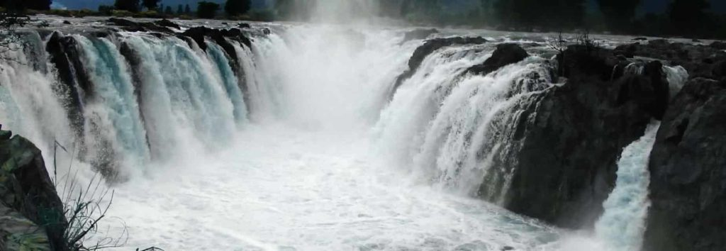 Hogenakkal Falls - Tourist Places in Tamilnadu - Factins