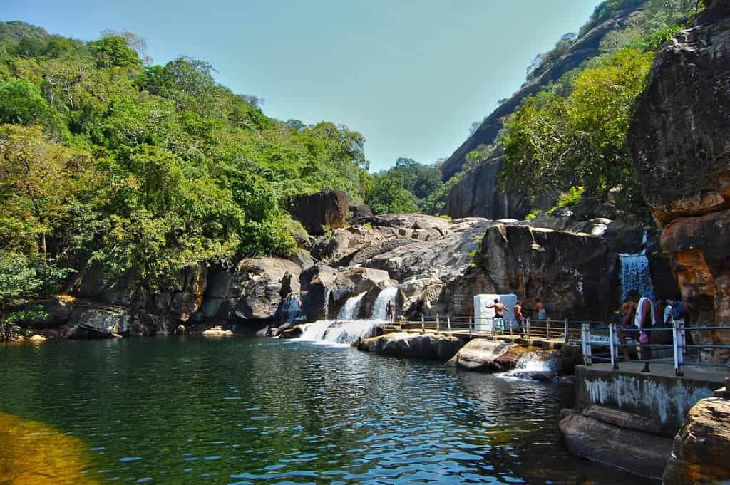 Manimutharu Waterfalls - Best Tourist Places in tamilnadu - Factins