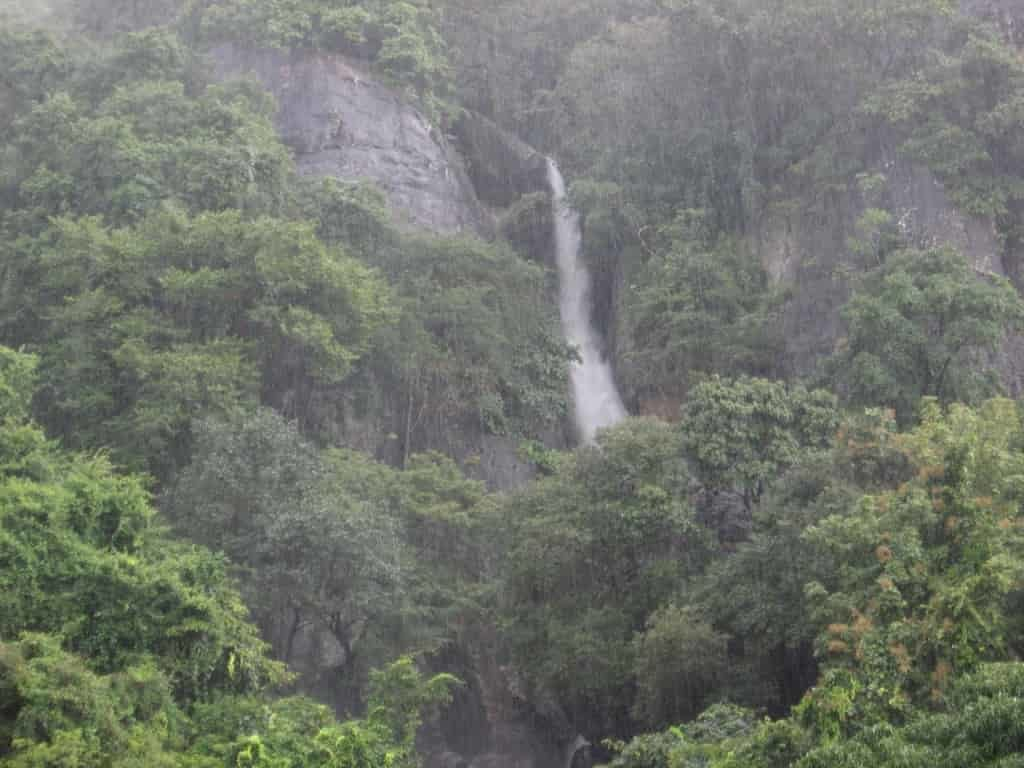 Olakkay Aruvi Waterfalls - Best Tourist Places in tamilnadu - Factins